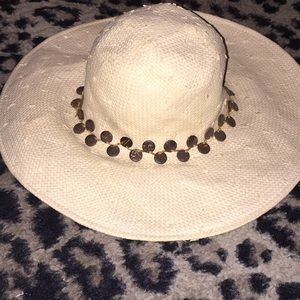Woman's beach paper hat with brown wooden beads